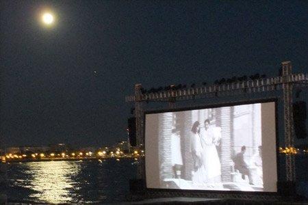 cannes fil festival beach screening